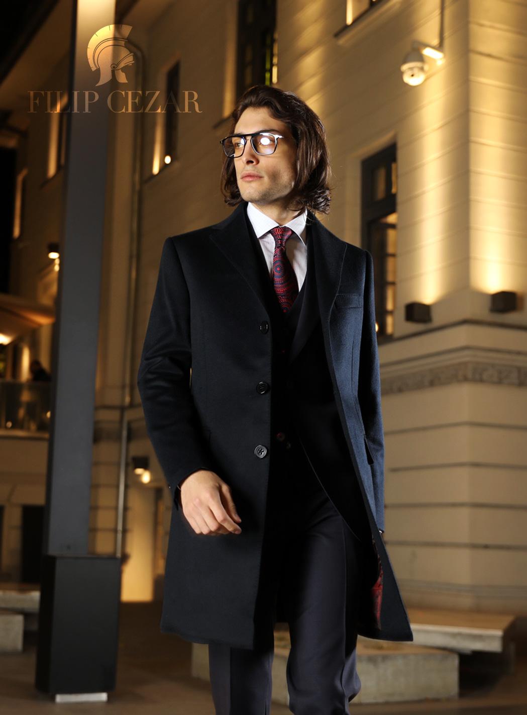 Palton realizat la comanda din casmir, din colectia casual pentru barbati.