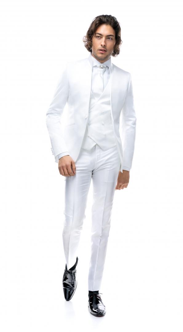 Costum de mire realizat la comanda Filip Cezar White Fantasy