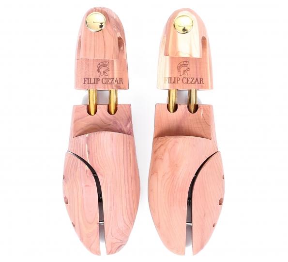 Șanuri din cedru pentru pantofi
