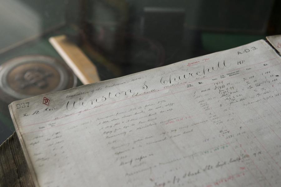 Evolutia costumelor - Registrul croitorului Poole